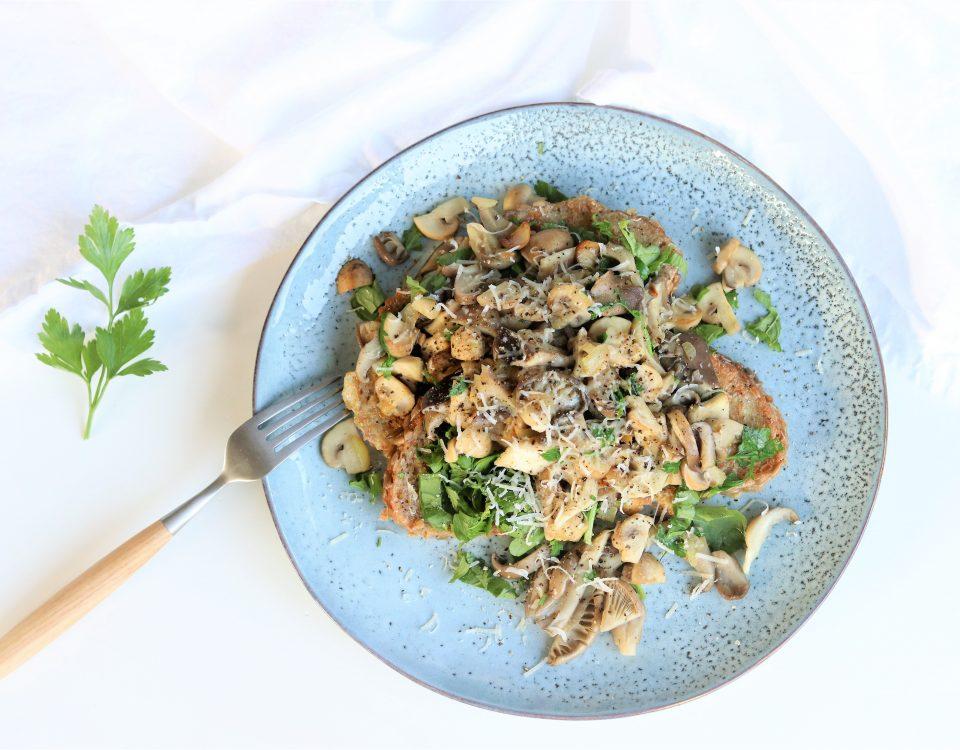 Hartige wentelteefjes met paddenstoelen