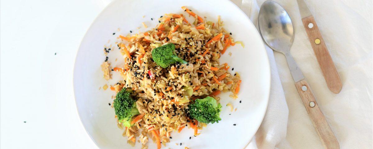 vegan/vegetarische nasi met broccoli