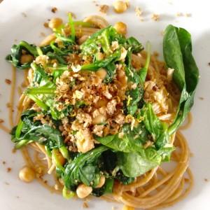 Spaghetti met spinazie en kikkererwten