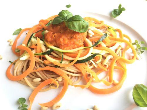 groentepasta met zelfgemaakte tomatensaus
