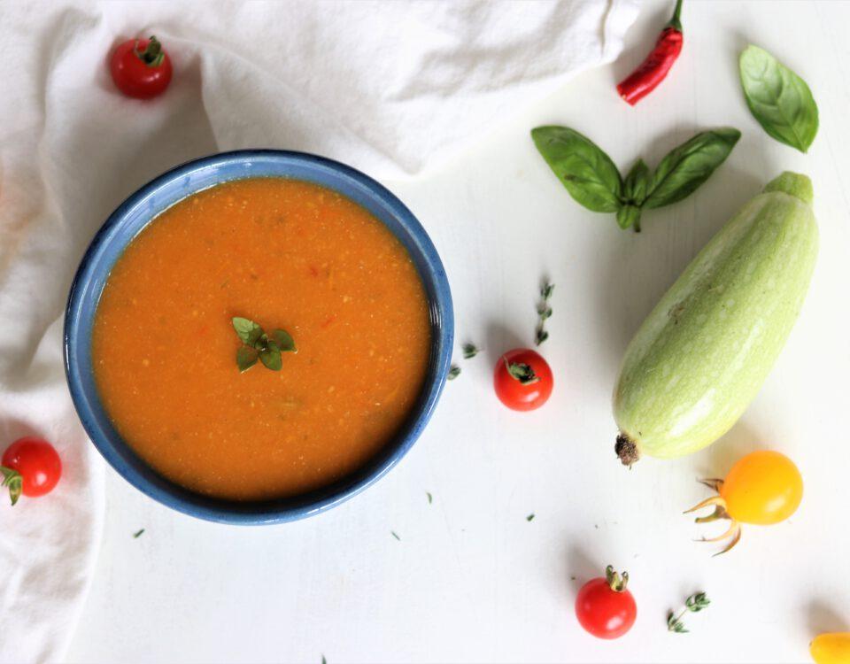 Tomatensoep uit de moestuin (vegan)
