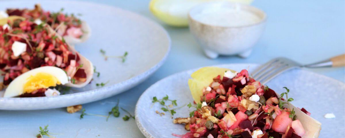 naakte haversalade met witlof, bietjes en geitenkaas