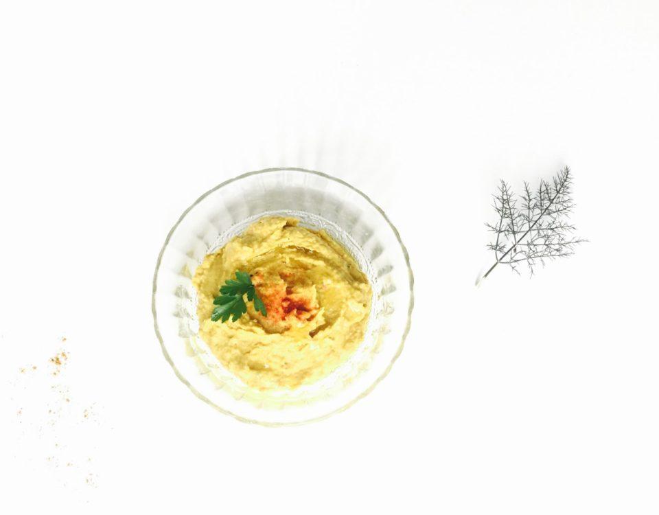 snelle hummus met kurkuma en kerrie uit