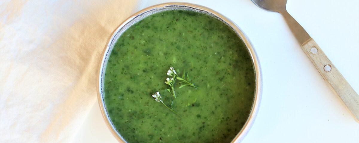 Waterkers-courgettesoep (vegan)